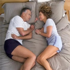 Couple+in+bed_1744_19108941_0_0_7003306_300